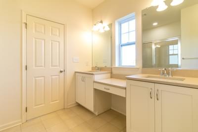 Folino Owner's Bath. 3br New Home in Schnecksville, PA