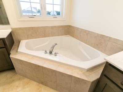 Jereford Owner's Bath. 4br New Home in Easton, PA
