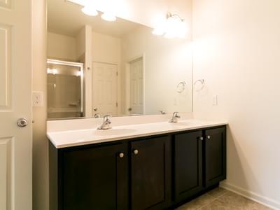Woodbury Owner's Bath. Woodbury New Home in Easton, PA