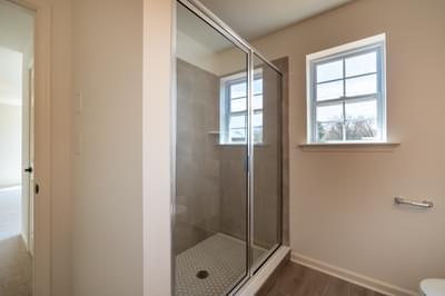 Chapman Owner's Bath. Chapman New Home in Schnecksville, PA